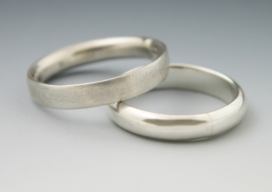 Simple Bands White Gold